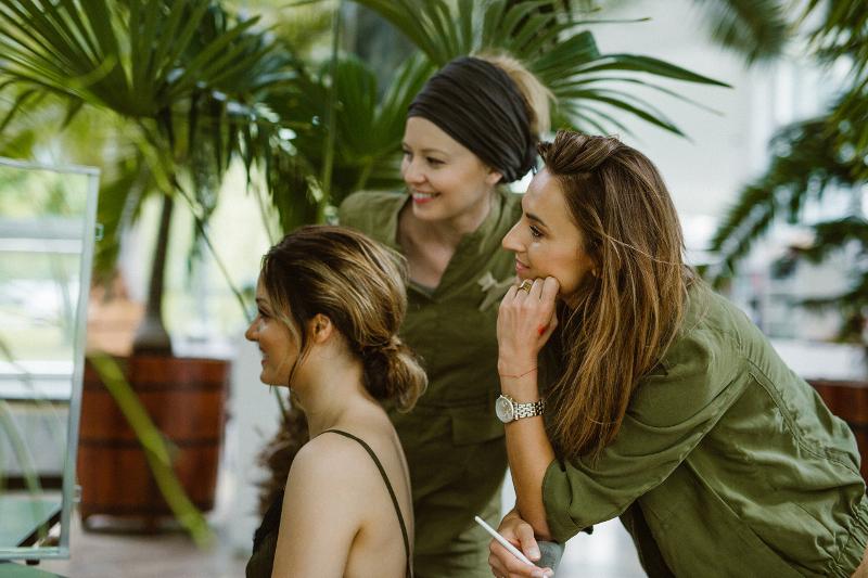 Co pierwsze – makijaż czy fryzura?